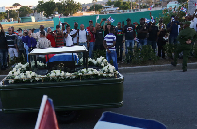 Castro journeys across Cuba to final resting place